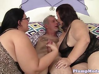 plump beauties enjoy threeway action