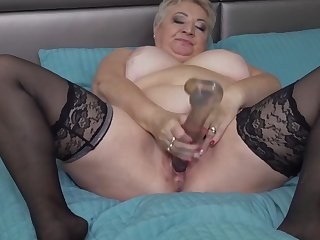 big granny tries big dildo