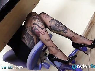tattoed wordsmith in pantyhose teases you with her feet